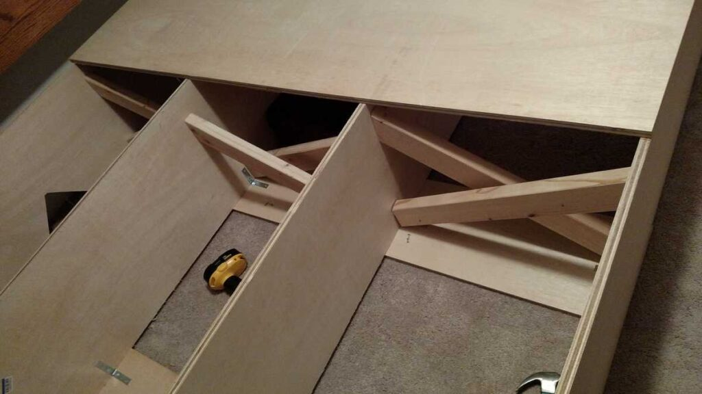support X braces down middle of platform bed