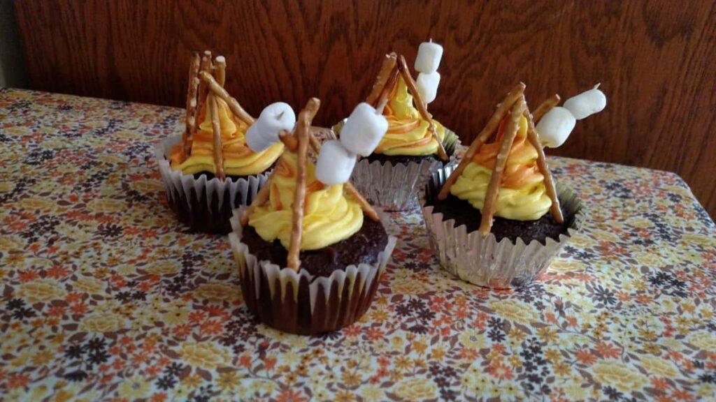 closeup of campfire cupcakes