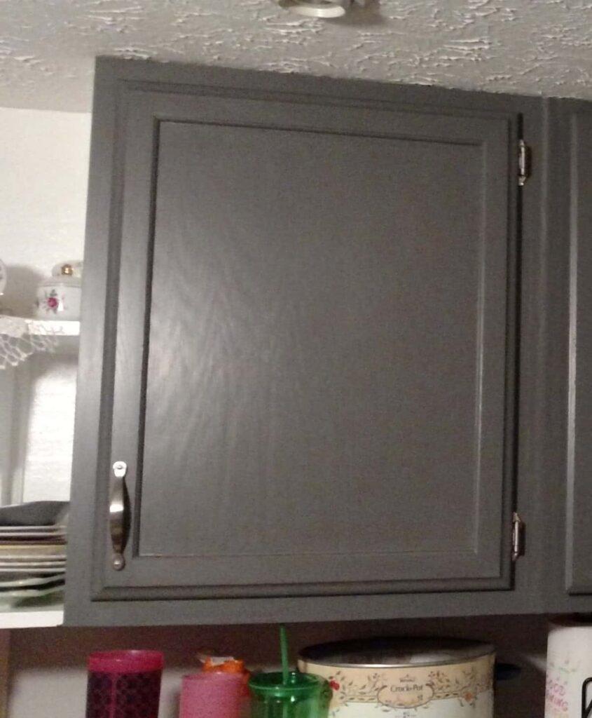 plain kitchen cabinet