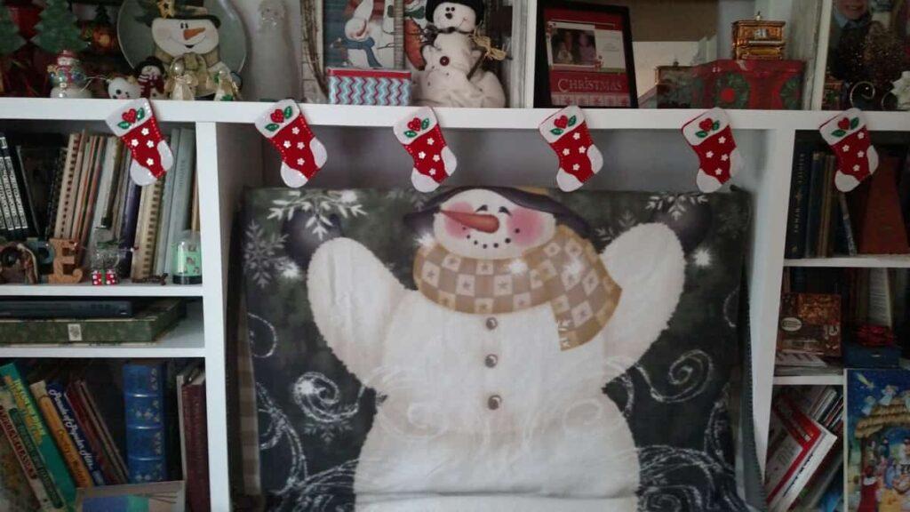 https://www.b4andafters.com/felt-christmas-stocking-silverware-holders/