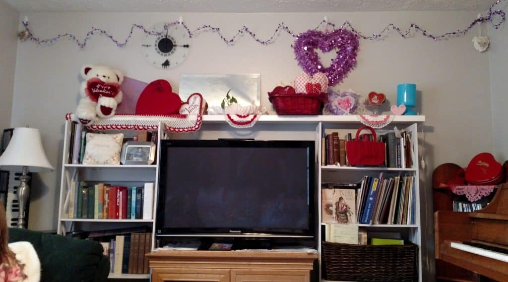 tv wall decorated for valentine's day