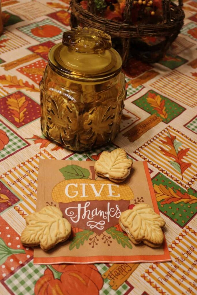 Maple cookies with amber cookie jar and Give Thanks napkin