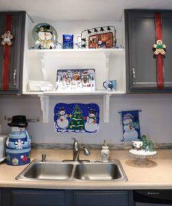 Snowman Sink Decor