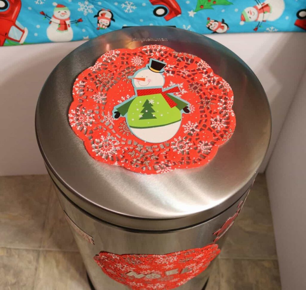 snowman trashcan magnet decor
