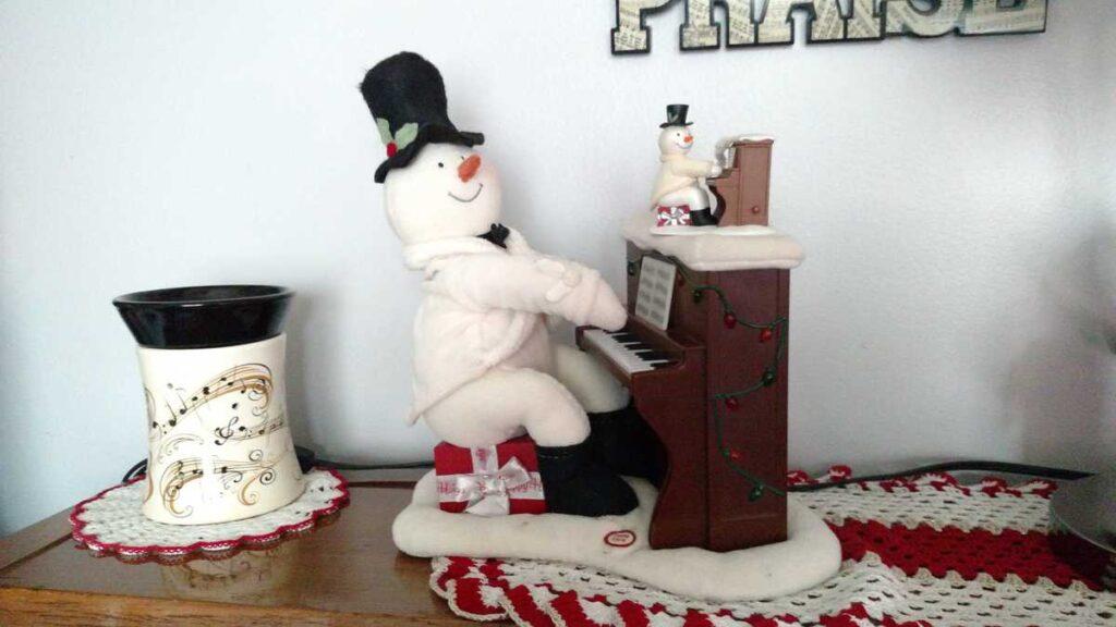 snowman piano