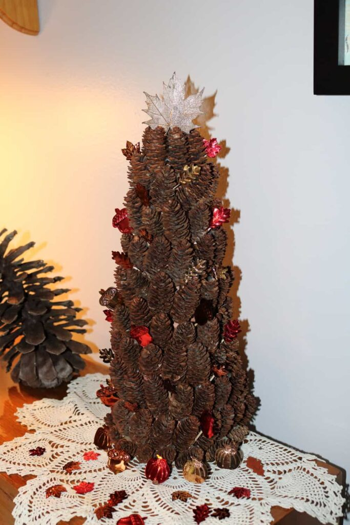 https://www.b4andafters.com/fall-pine-cone-tree/