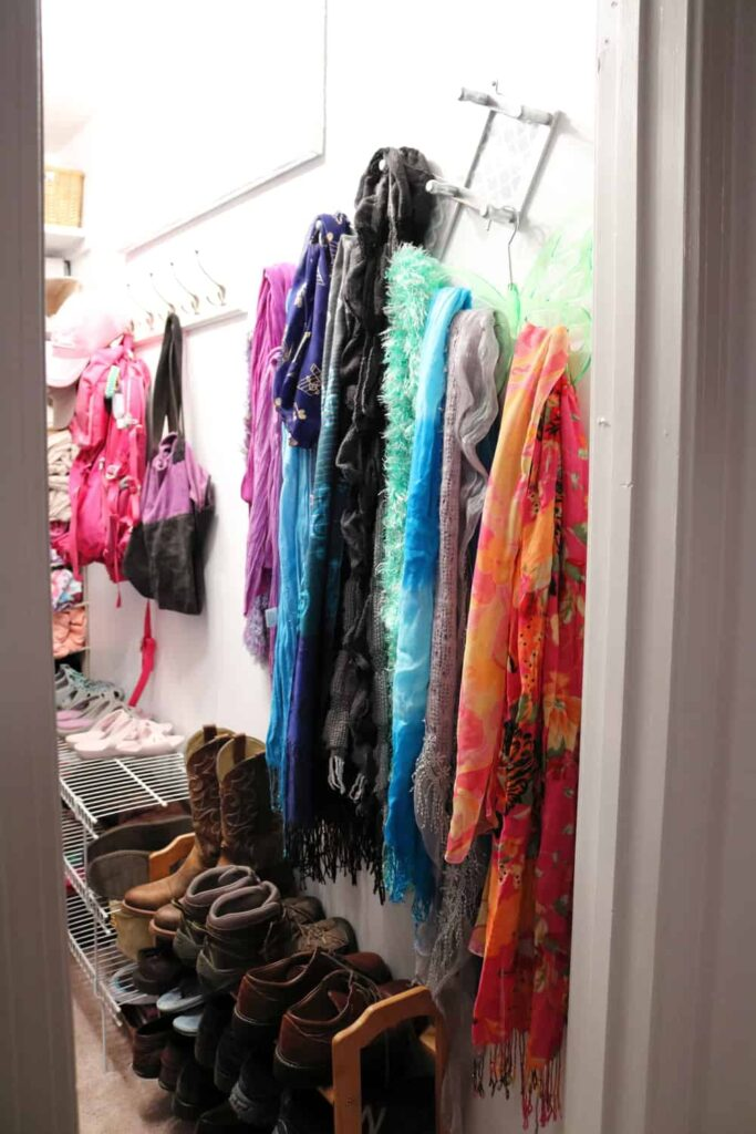 https://www.b4andafters.com/master-closet-makeover-part-4