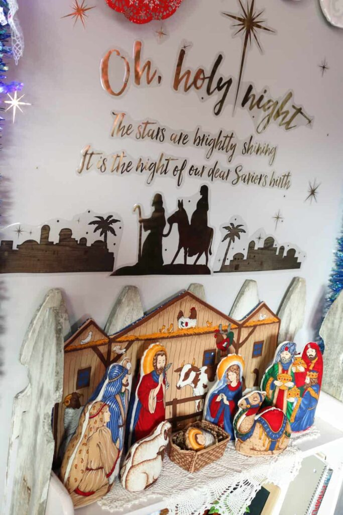 https://www.b4andafters.com/christmas-nativity-scene/