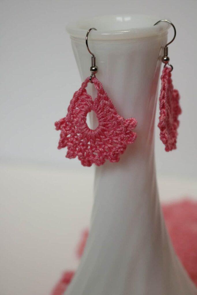 pink crochet earrings https://www.b4andafters.com/easy-crocheted-earrings/