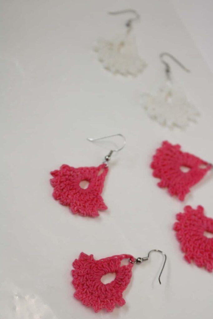 pink earrings drying https://www.b4andafters.com/easy-crocheted-earrings/