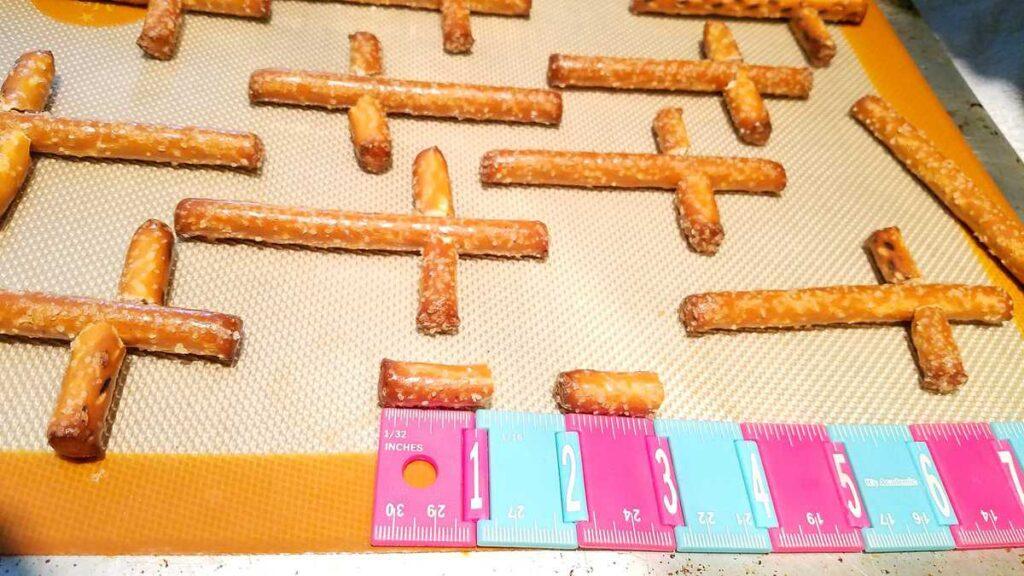 1 inch pretzel rod pieces
