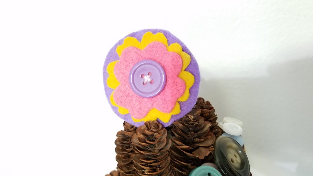 Button and Felt tree topper