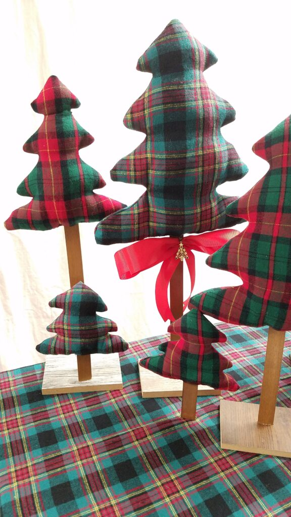 3 different sizes of fabric Christmas trees