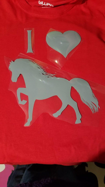 I love Horses iron on tshirt design for the Cricut maker
