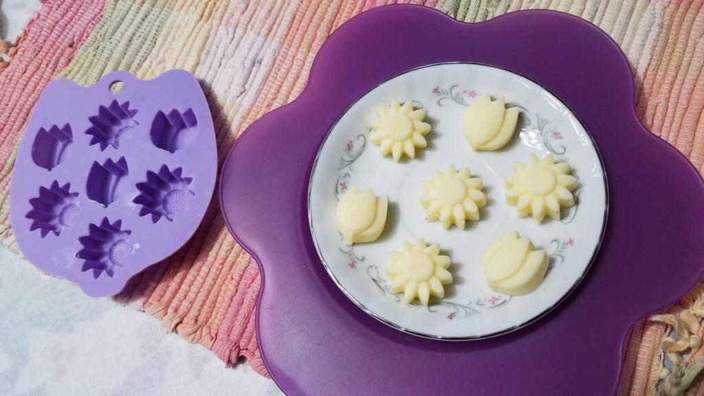 flower butter pats