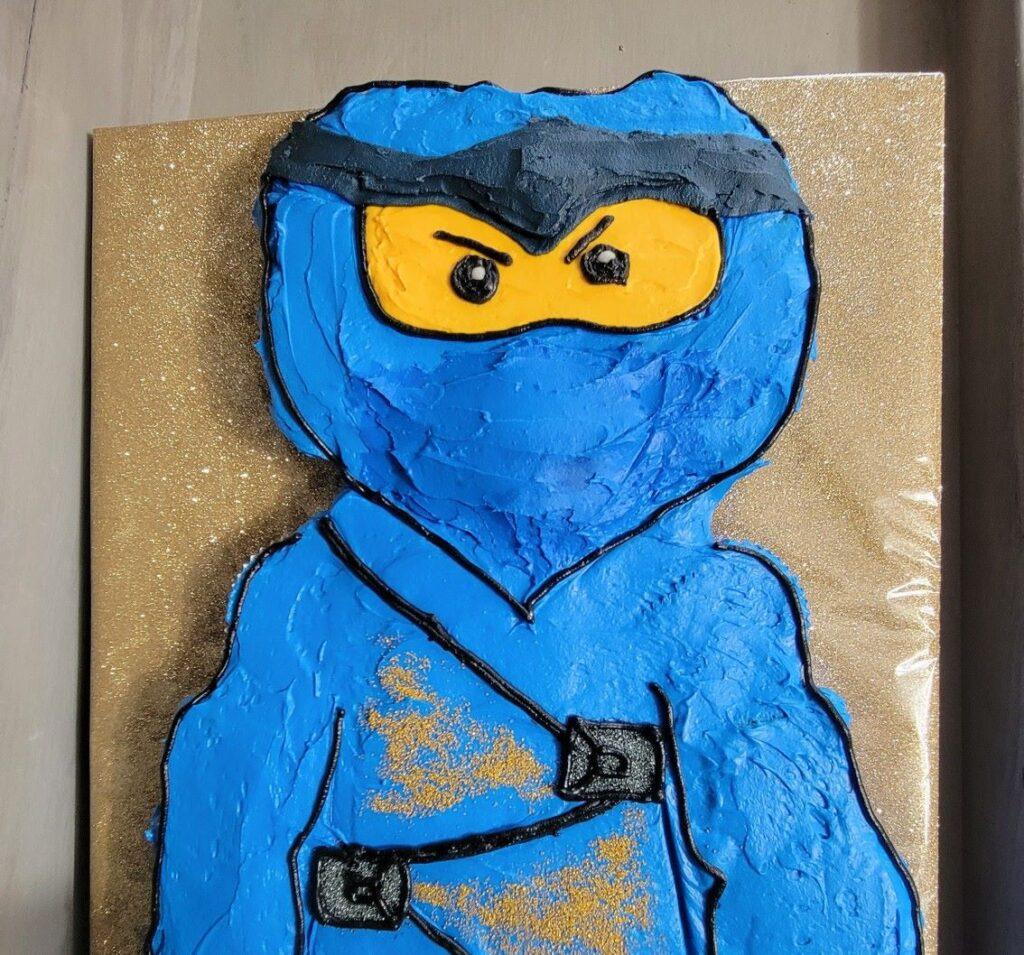 head of Lego Man cake