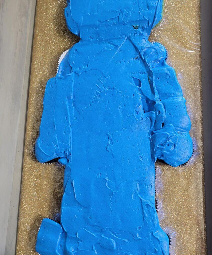 blue frosting on cake