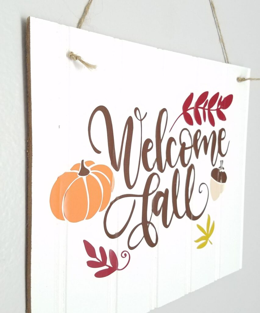 Welcome Fall design on white sign