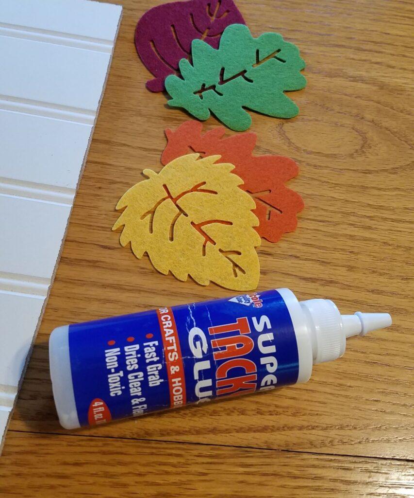 tacky glue and felt leaves